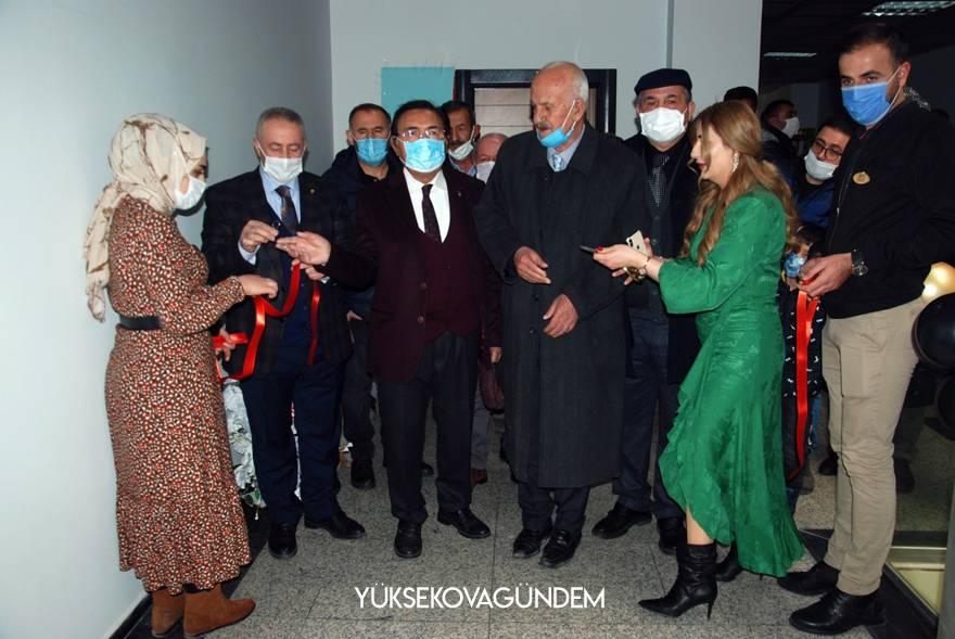 Yüksekova'da 'Safir Man Lazer ve Epilasyon Merkezi' Hizmete açıldı 1