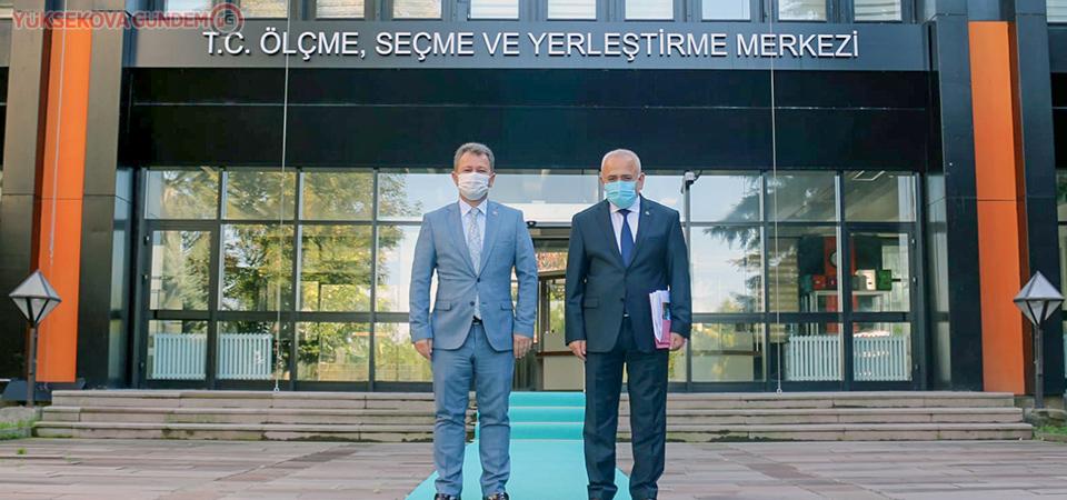 Rektör Pakiş'ten ÖSYM Başkanı Prof. Dr. Aygün'e ziyaret etti