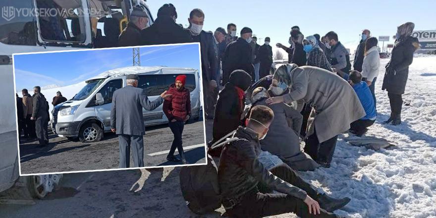 Van'da yolcu minibüsü takla attı: 8 yaralı