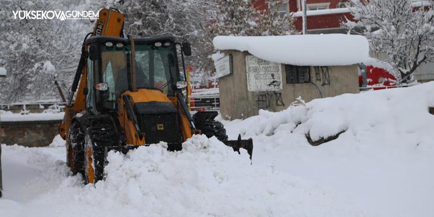 Van'da 145 yerleşim yerinin yolu ulaşıma kapandı