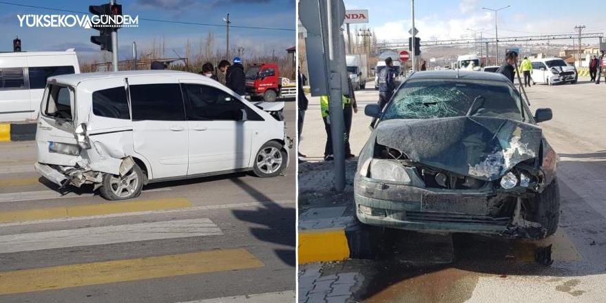 Van'da zincirleme kaza: 2 yaralı