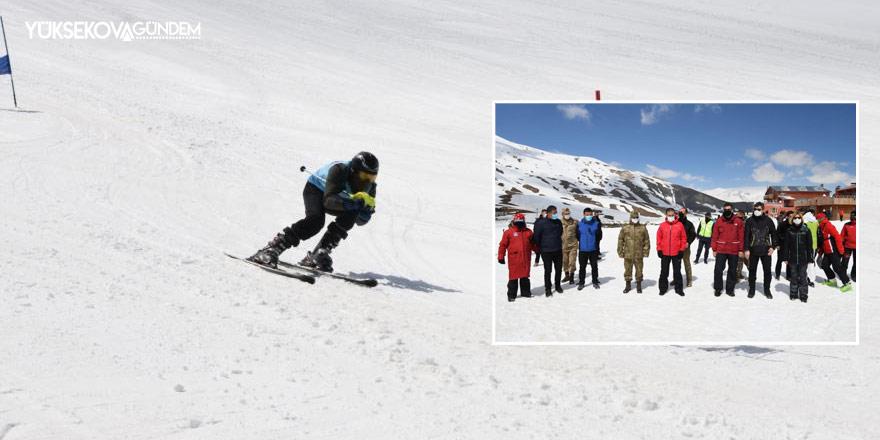 Hakkari'de 'Valilik Kupası Kayak Yarışması' düzenlendi