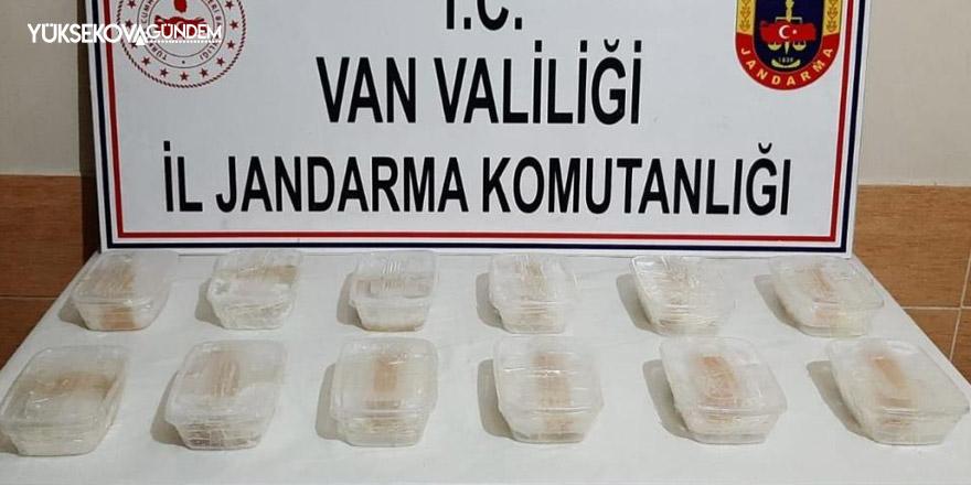 Başkale'de 6 kilo 427 gram metamfetamin ele geçirildi