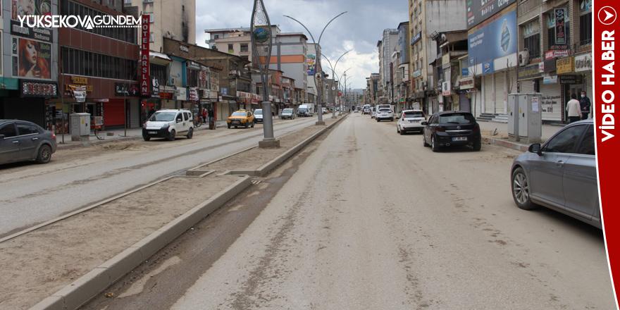 Yüksekova'da 'tam kapanma'nın 2'nci gününde de sokaklar boş kaldı