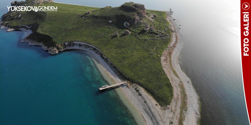 Van Gölü'nün el değmemiş güzelliği 'Çarpanak Adası'