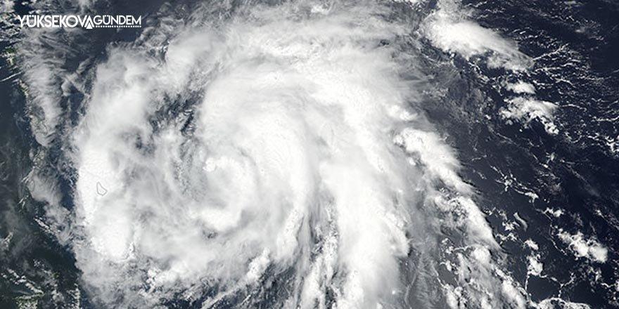 Pakistan'da şiddetli fırtına: 12 ölü