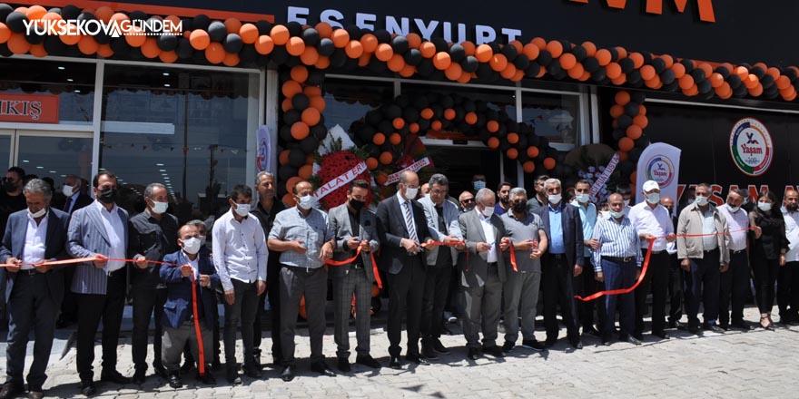 Yüksekova'da Yaşam AVM'nin yeni şubesi hizmete açıldı