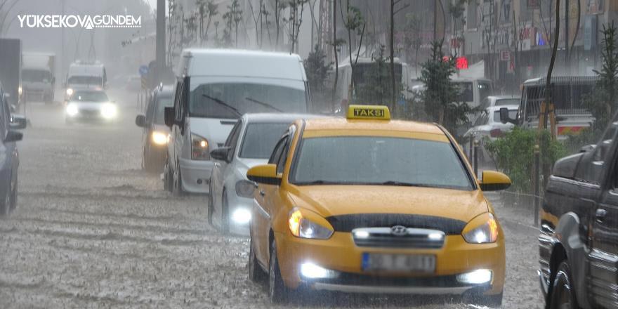 Yüksekova sular altında kaldı