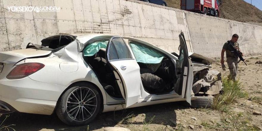 Van yolunda kaza: 2 ölü