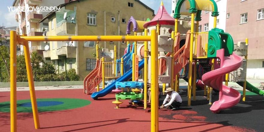 Hakkari'de çocuk oyun parkları onarıldı