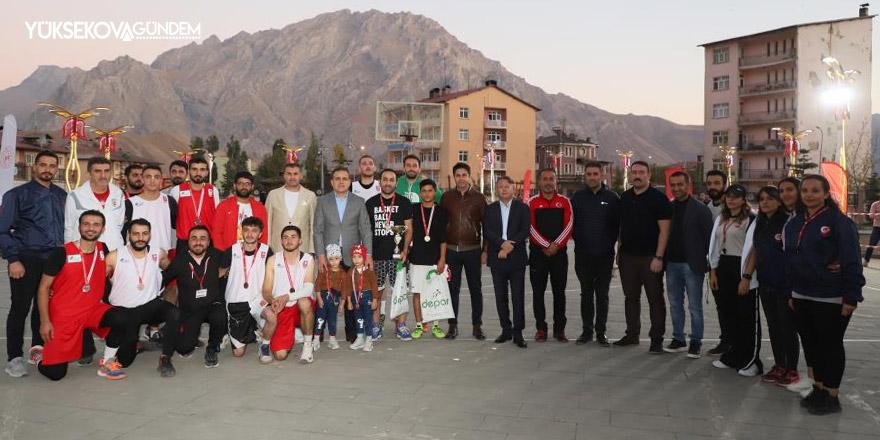 Hakkari'de ikinci spor şenlikleri sona erdi