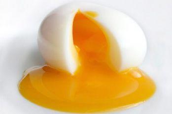 Sarısı koyu renk olan yumurta daha yararlı