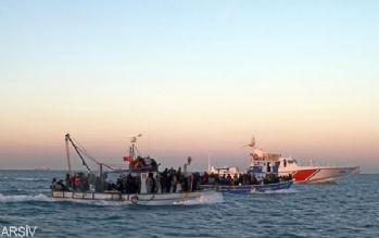 Akdeniz'de dün 900 göçmen kurtarıldı