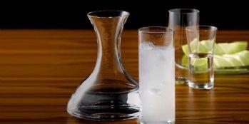 Alkol zehirlenmesinde ölü sayısı 12'ye yükseldi