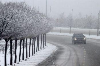 Ankara'da yılın ilk karı başladı