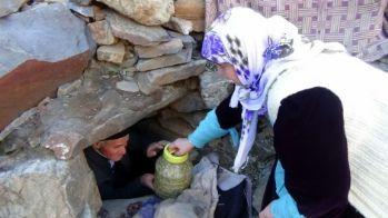 Hakkari'de Mağaralar Buzdolabı Olarak Kullanılıyor