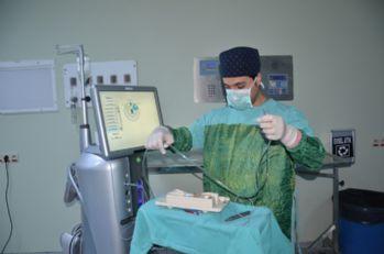 Yüksekova'da katarakt ameliyatına başlandı