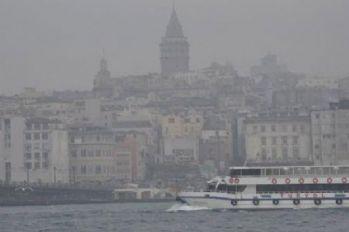 İstanbul güne yoğun sisle uyandı