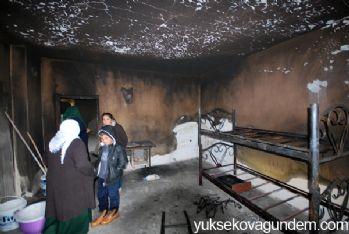 Evleri ikinci kez yanan aile yardım bekliyor