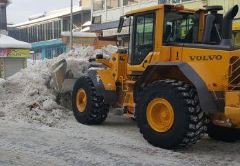 Bulanık'ta karla mücadele çalışması