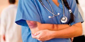 Her gün 31 sağlık çalışanı şiddet görüyor