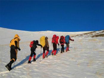 Van'ın en yüksek dağına tırmandılar