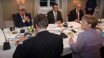Merkel CHP ve HDP ile görüştü