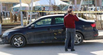 Hastane önünde silahlı kavga: 1 ölü