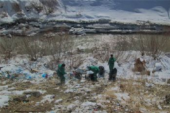 Hakkari Belediyesinden çevre temizliği