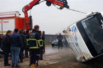 İşçi servisi takla attı: 1 ölü, 20 yaralı
