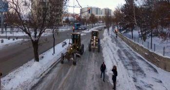 Doğu'da kar ve buzla mücadele çalışmaları
