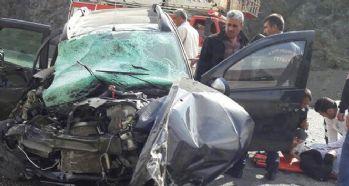 Ciple kamyon çarpıştı: 1 ölü, 3 yaralı