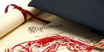 Yılın öğretmeninin diploması sahte çıktı