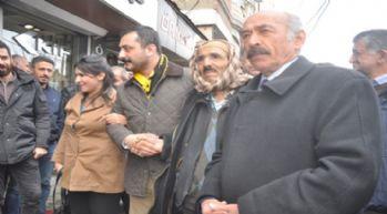 CHP'li Erdem, Yüksekova'da esnaf ziyareti gerçekleştirdi
