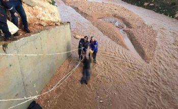 Urfa'da sel can aldı!