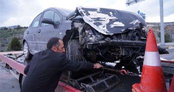 İki otomobil çarpıştı: 7 yaralı!