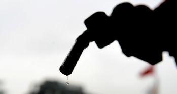 Benzin ve gaz yağına indirim bekleniyor