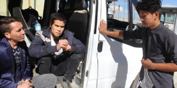 Van Başkale'de 16 kaçak mülteci yakalandı