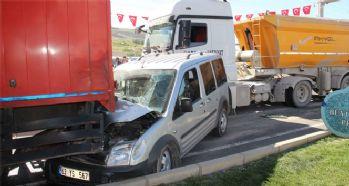 Zincirleme trafik kazası: 4 yaralı