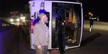 Trafik kazası meydana geldi, 23 yaralı
