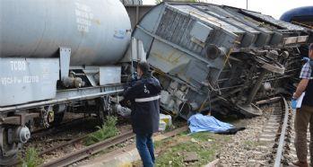 Tren vagonu devrildi: 1 ölü