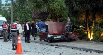 İki araç çarpıştı: 1 ölü 5 yaralı