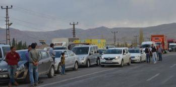Doğubayazıt-Çaldıran karayolu ulaşıma kapatıldı