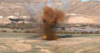 Yola döşenen patlayıcı infilak etti: 15 ölü