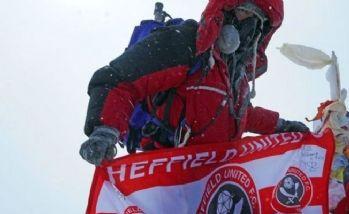 Kanser hastası Everest'in zirvesine çıktı
