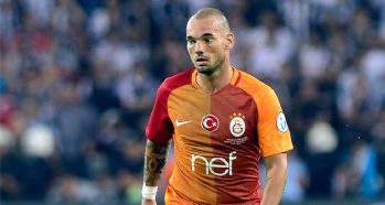 Wesley Sneijder tarihe geçti