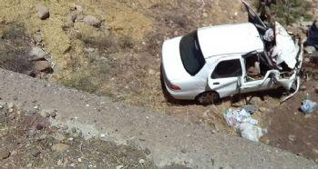 Otomobil şarampole yuvarlandı: 3 ölü 3 yaralı