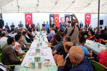 Bakan Soylu, Yüksekova'daki bayramlaşmaya katıldı