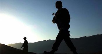 Şırnak'ta üs bölgesine saldırı: 1'i ağır 3 asker yaralı