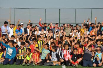 Kaymakam Kaşıkçı, Futbol Yaz Okulu Öğrencilerini Ziyaret Etti